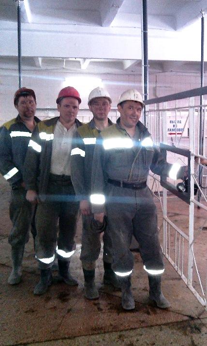проходчики участка №6 перед спуском в шахту