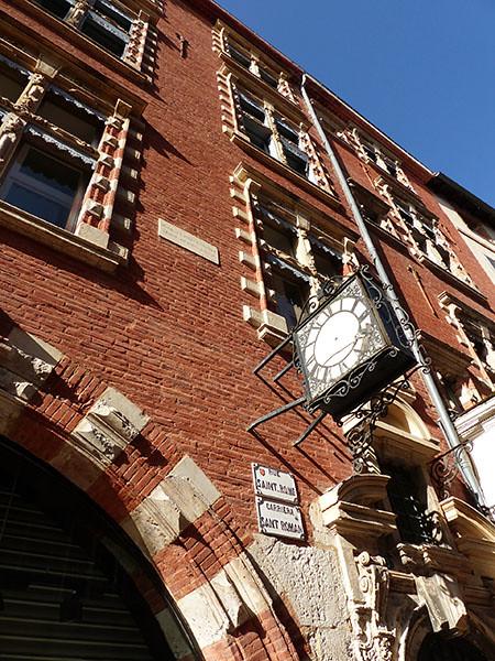 horloge d ela rue Saint-Rome