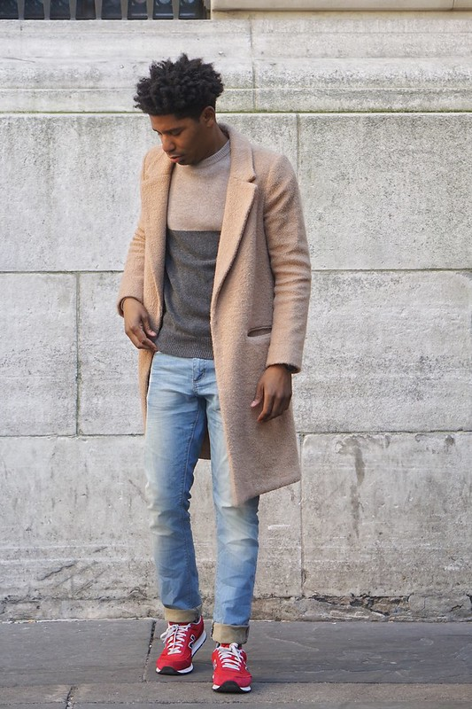 Camel Coat, Menswear, Colorblock sweater, Spring 2016 fashion, Light Superdry Jeans, Red Balance Sneakers, Camel Look
