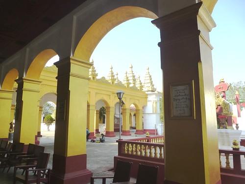 M16-Hsipaw-Temple Mahamyatmuni (7)