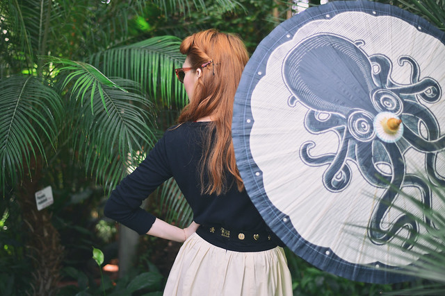 Retro_outfit_sourpuss_clothing_parasol
