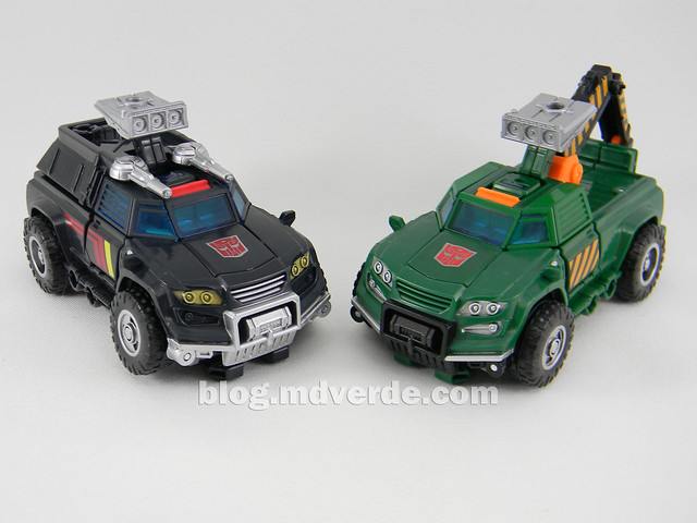 Transformers Hoist Deluxe - Generations Takara - modo alterno vs Trailbreaker
