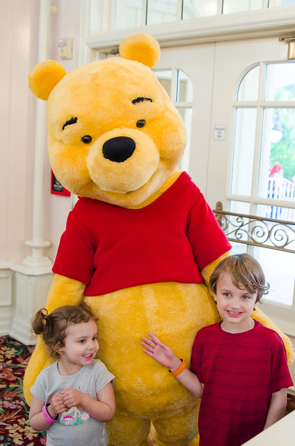 20160415-Disney-Vacation-Magic-Kingdom-Day-1-Pooh-0900