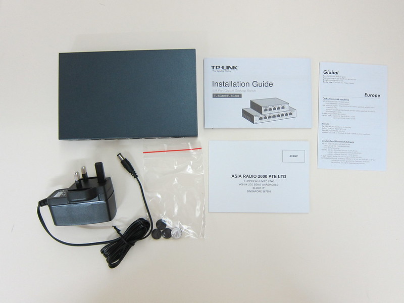 TP-Link 8-Port Gigabit Desktop Switch (TL-SG108) - Box Contents