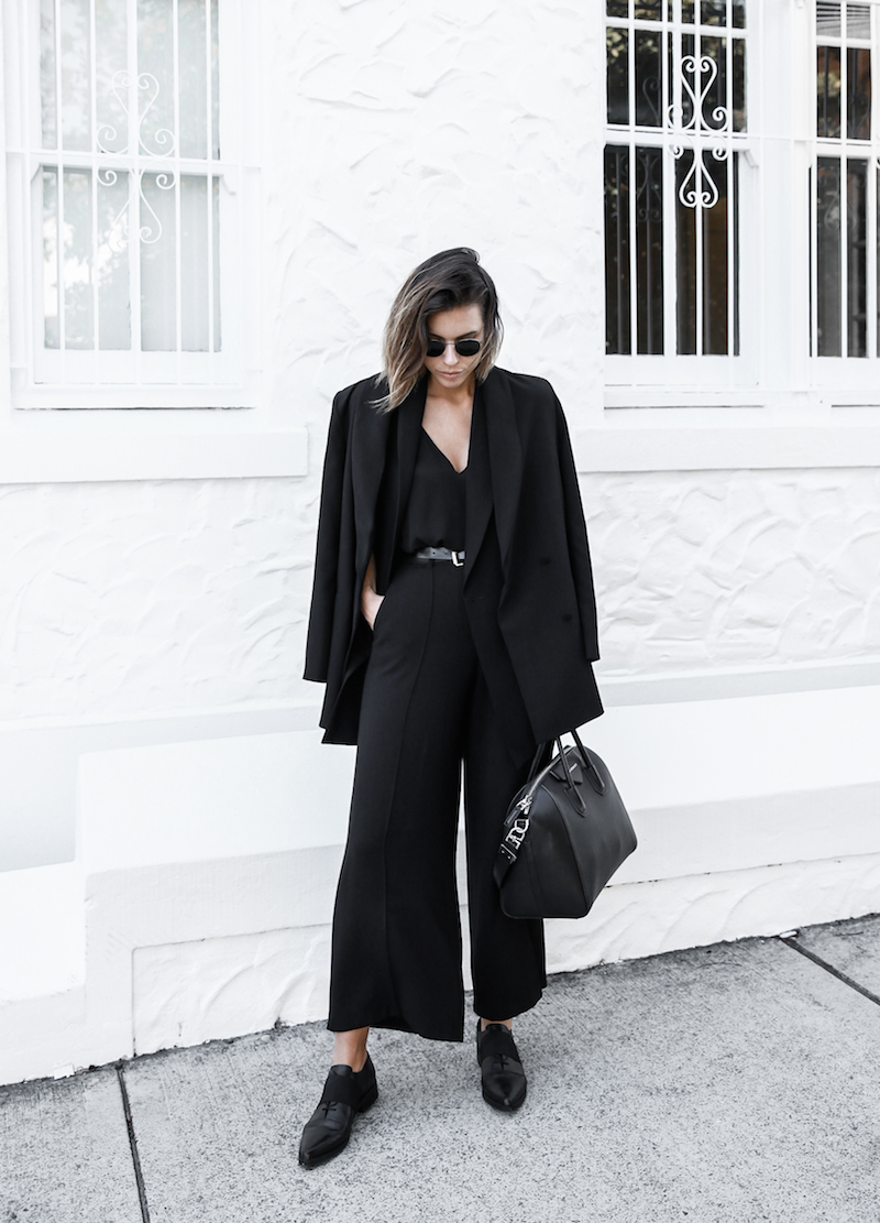 all black street style office work wear inspo suit Givenchy Antigona medium fashion blogger modern legacy  (7 of 11)