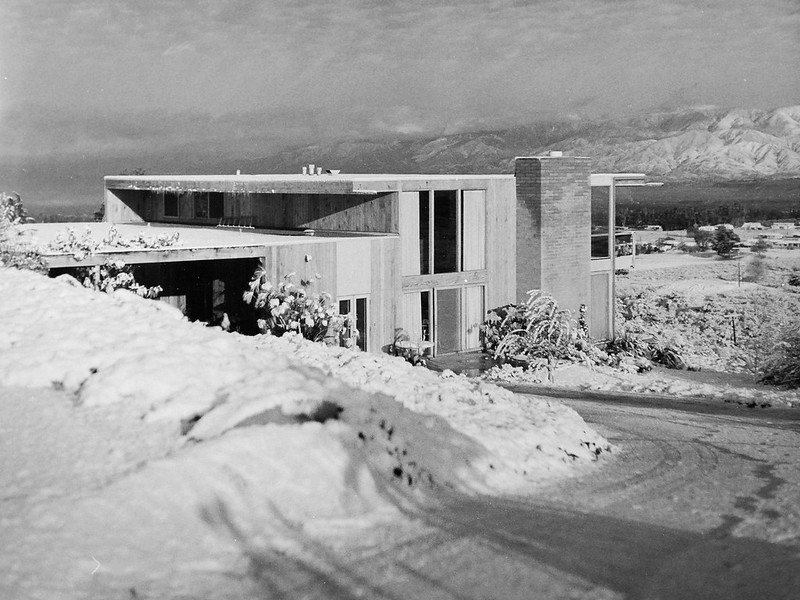 Gillsepie House in the Snow BW3 edited by DB