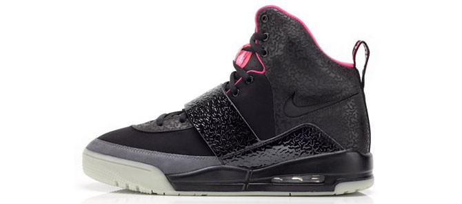 air_yeezy_black_profile1