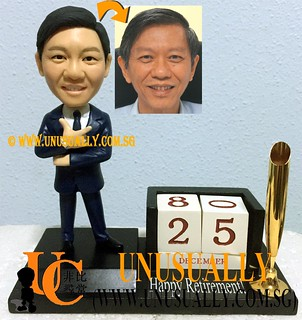 Unusually Custom 3D Smart Male Figurine On Calender Pen Holder Base - © www.unusually.com.sg