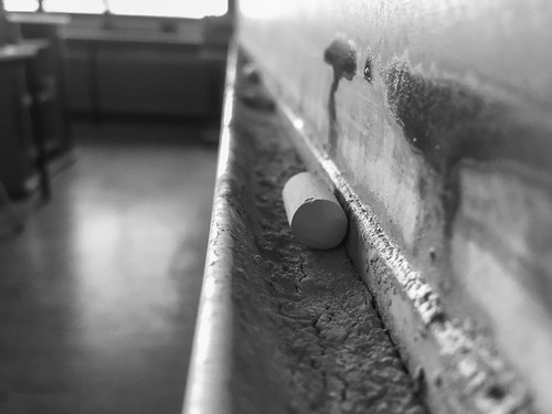 22/366 – Chalk in a seminar room, Universität Heidelberg