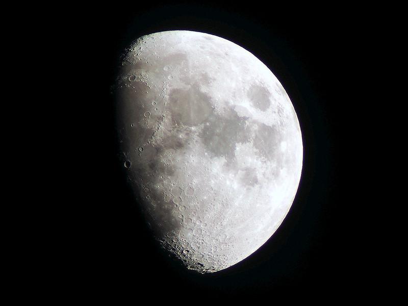Lunar phase 8