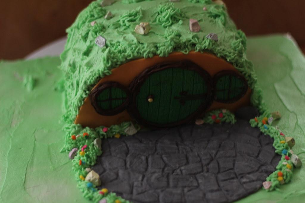 Hobbit Hole Cake 2