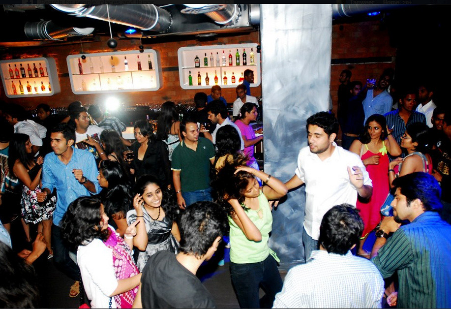 Sinq Nightclub Entry Goa Rates Amp Offers From Gobananas India