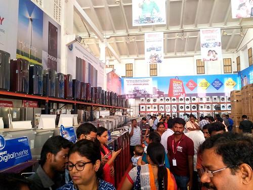 Viveks Giant Warehouse Wholesale Chennai