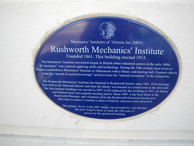 Photo of Rushworth Mechanics' Institute blue plaque