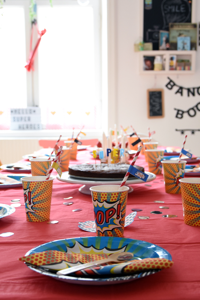 Superhero party {incl free party printables}