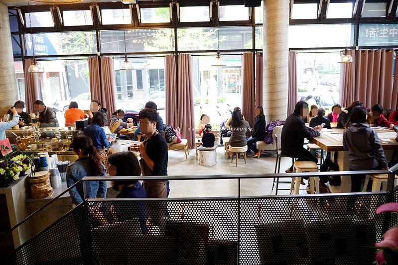 24227962373 9630208349 c - 憲賣咖啡熱河店-餐點有別於東興店和華美店.裝潢走穀倉鄉村風.價位偏高一點.是北屯一處喝咖啡推薦地點