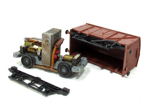 Kitmaster van in bits