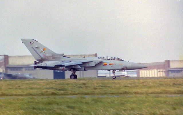 ZD936/AP Tornado F.2 Arrive