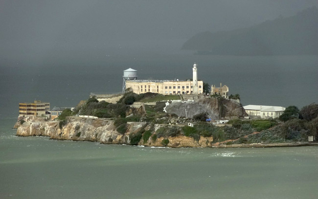 alcatraz-from-coit-tower