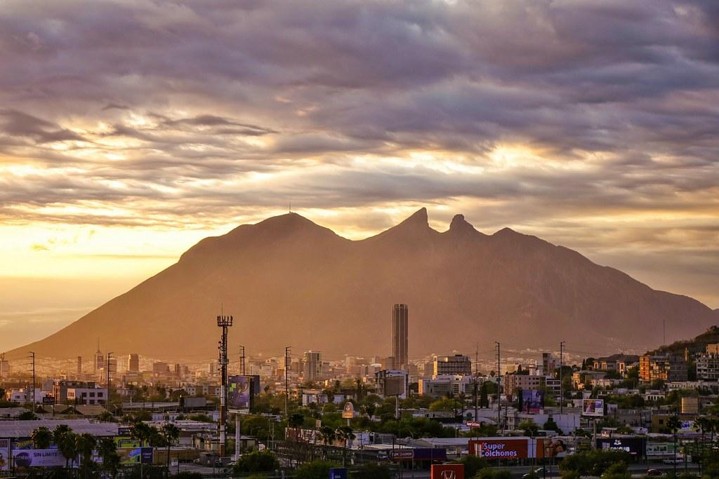 Cerro de la Silla al amanecer - Monterrey México 160319