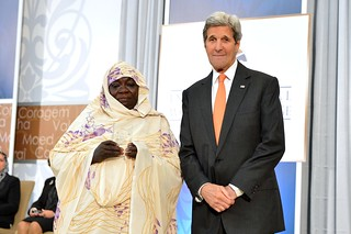 Secretary Kerry Presents the 2016 International Women of Courage Award to Awadeya Mahmoud of Sudan