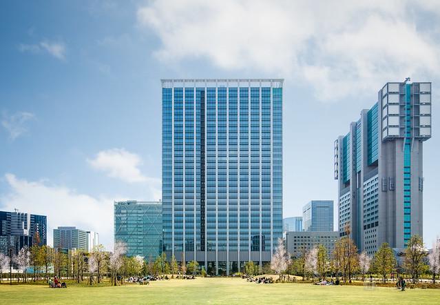 Facade of Shinagawa Season Terrace (品川シーズンテラス)