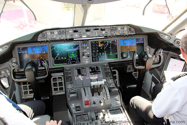 LOT POLISH BOEING 787 SP-LRC