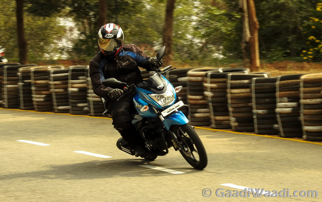 2016 TVS Victor Test Ride Review-45