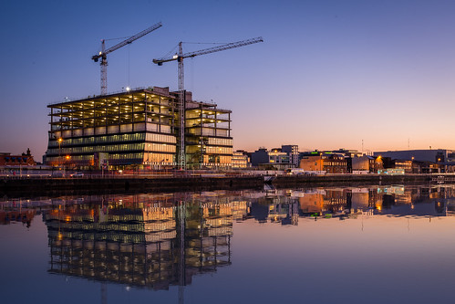dublincity docklands ireland northwallquay henryjlyons twilight urban ie reflections rivers cranes centralbankofireland dublin1 water city morning construction machinery liffey architecture europe countydublin sunrise