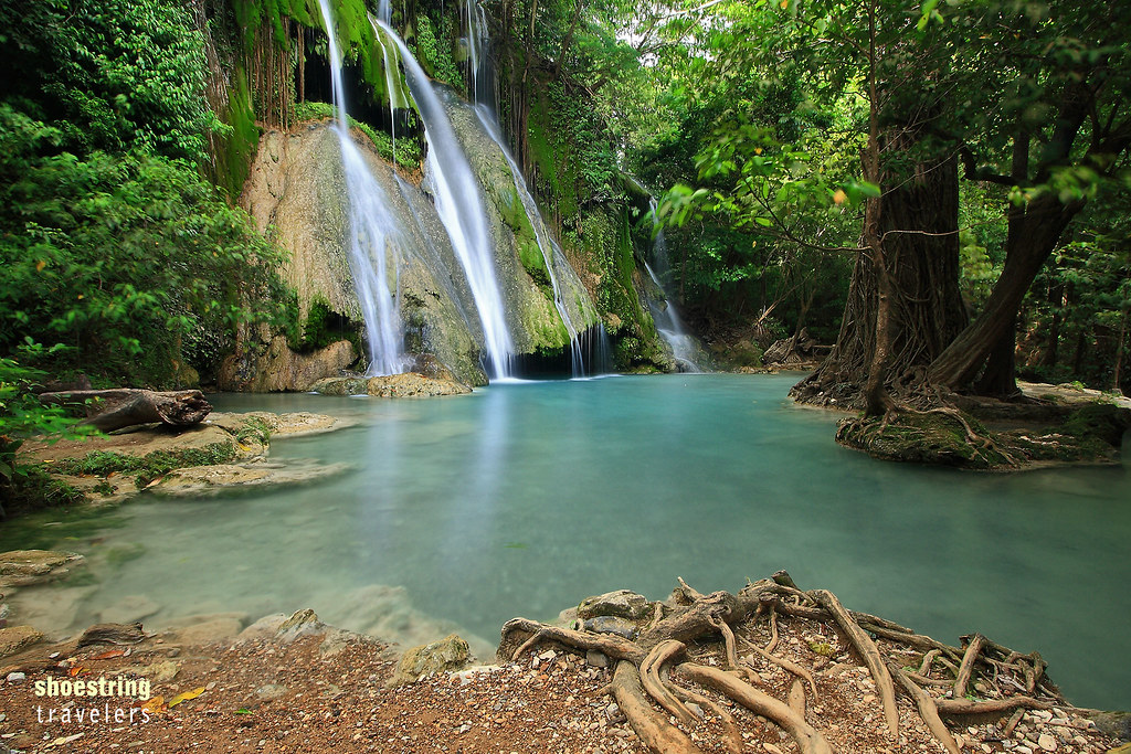 interesting rock formations and dense vegetation at Batlag Falls