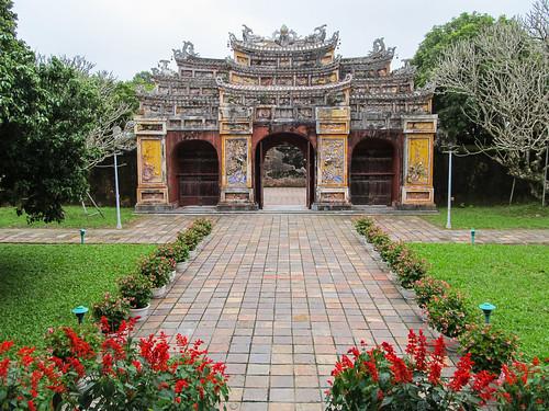 La Citadelle de Hué: Porte menant au le Temple du Culte des Empereurs Nguyen