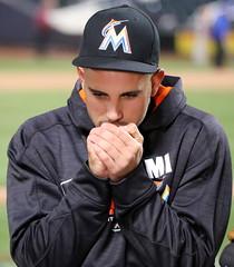 Jose Fernandez tries to stay warm
