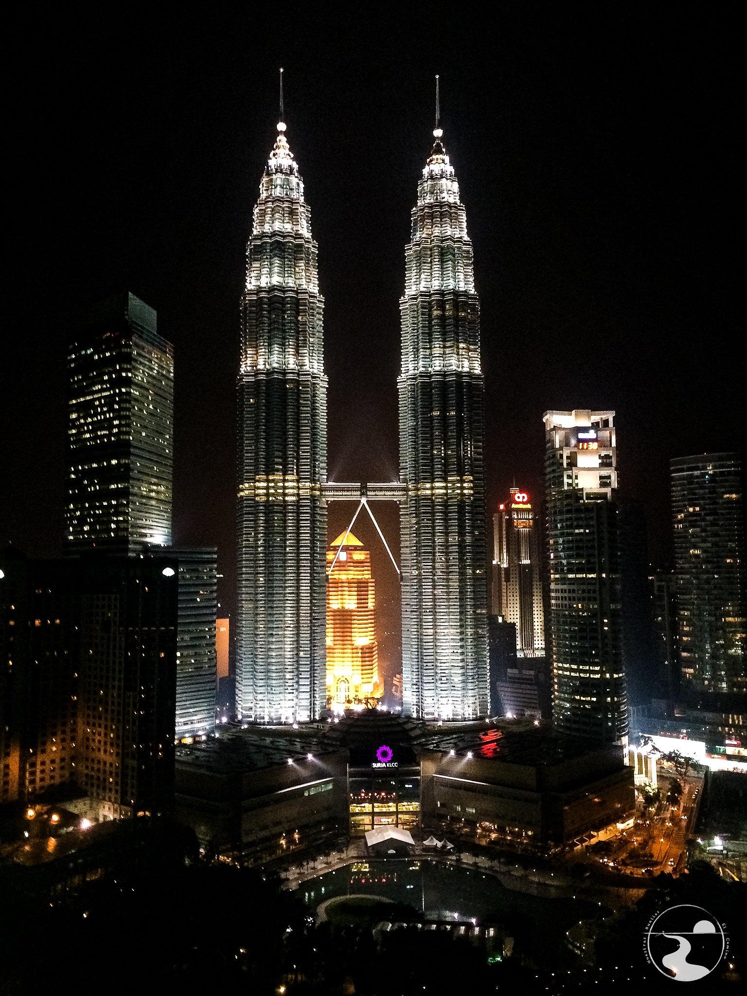 Torres Petronas desde el Traders Hotel