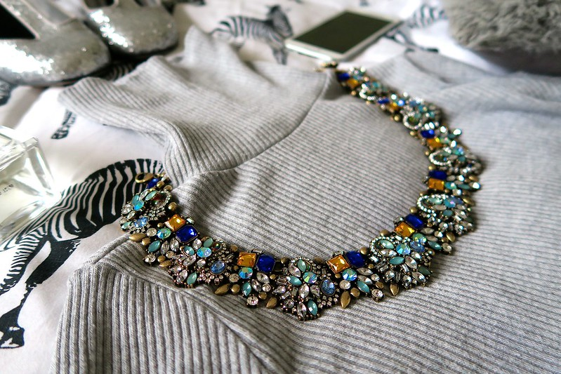 uk fashion lifestyle blogger happiness boutique statement necklace review