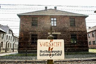 Alambrado en Auschwitz I
