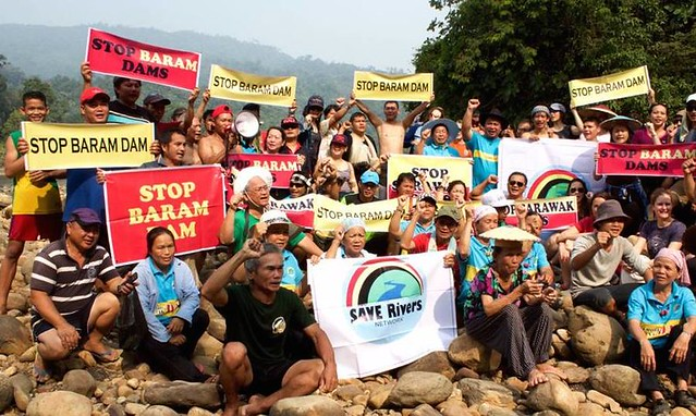protestors at the Baram dam site