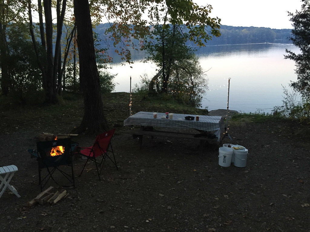 Lakefront campsite at Gifford Pinchot State Park