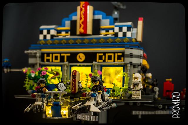 Al's space diner - photo
