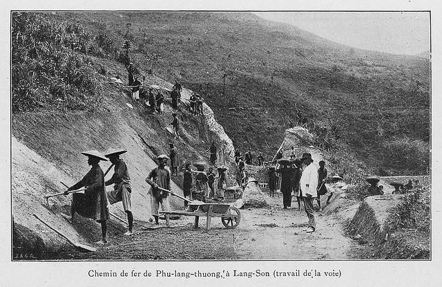 Chemin de fer de Phu-lang-thuong, à Lang-Son (travail de la voie) - Thi công tuyến đường sắt Phủ Lạng Thương đi Lạng Sơn