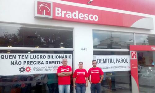 01 Demitiu parou Bradesco Ibaiti 06022015