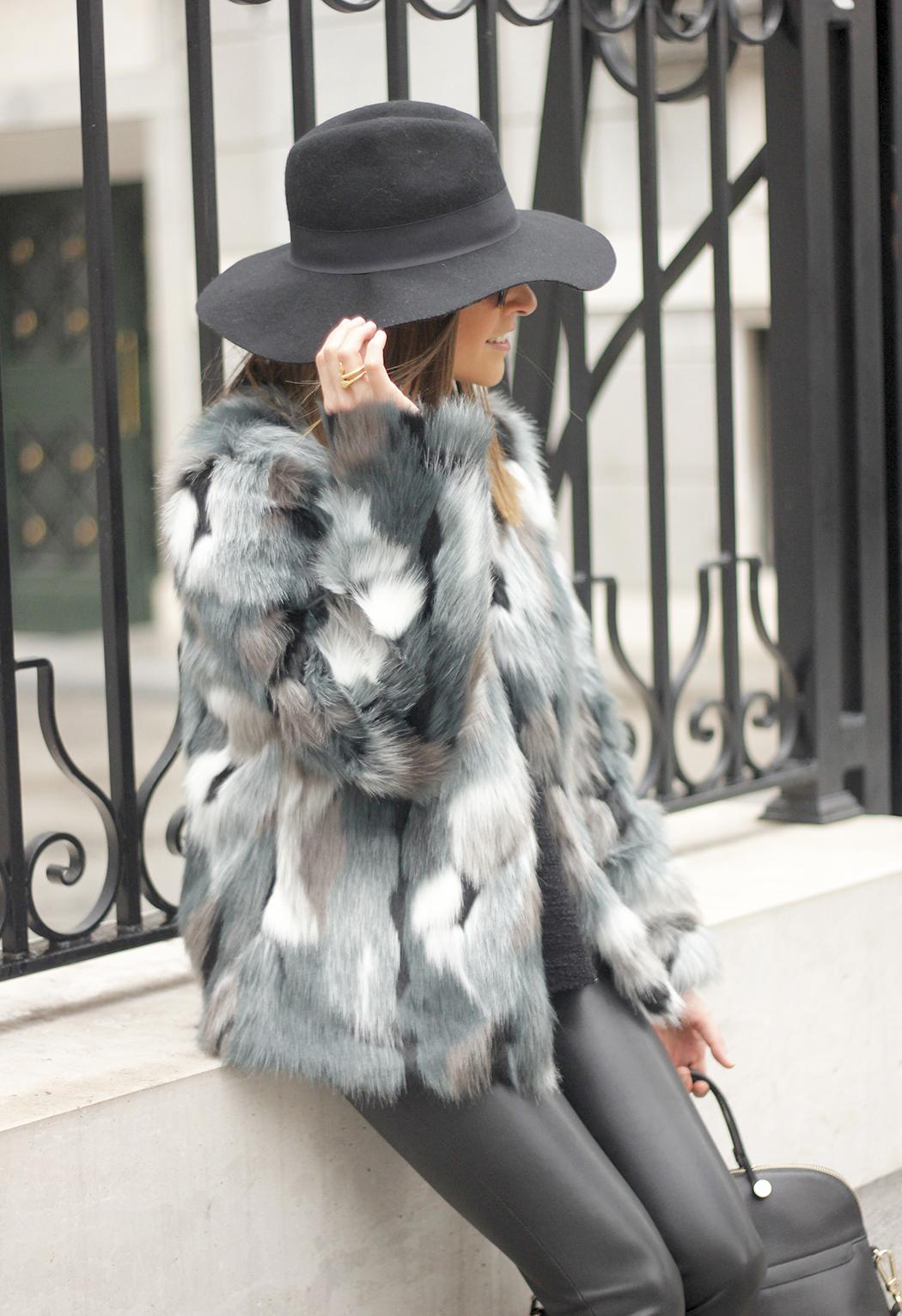 Faux fur coat leatherette pants booties black hat mango streetstyle fashion outfit11