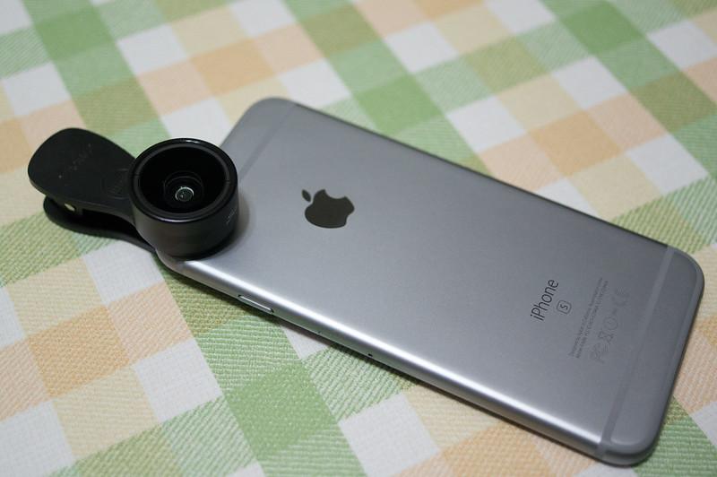 Seneo スマホ用カメラレンズセット、iPhone 6sへの装着イメージ