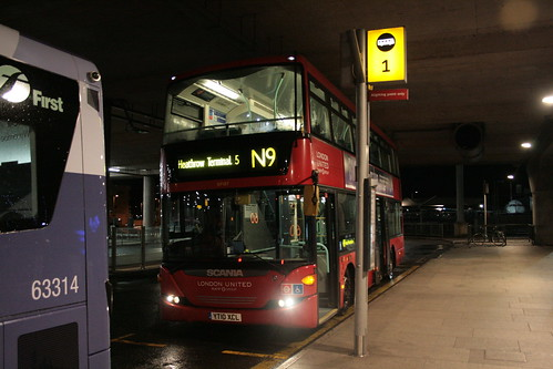 London United SP187 on Route N9, Heathrow Terminal 5