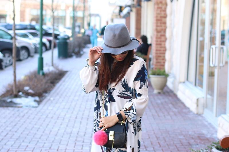 Spring-look-floral-dress-hat-outfit-apple-watch-chloe-bag-5