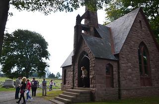 Tue, 03/04/2014 - 01:12 - Hillside Cemetery Chapel