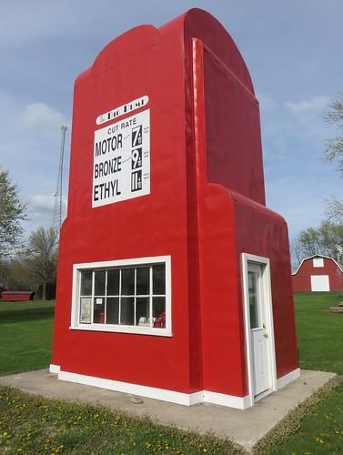 mo missouri roadsideamerica kingcity gasstations worldslargestthings gentrycounty