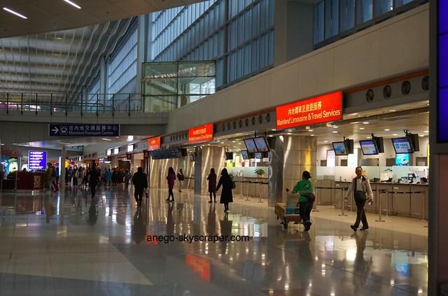 香港空港 2タミ 内地、だって?