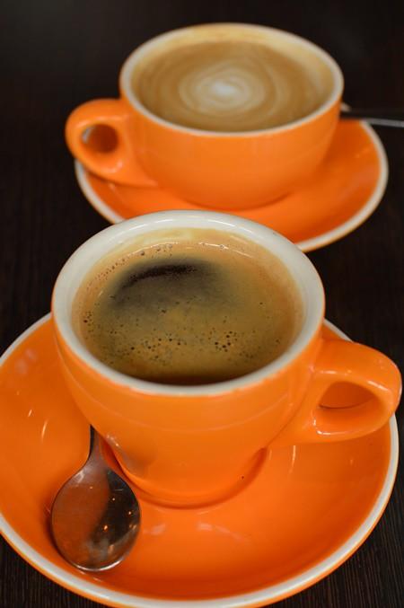 Almond milk latte, long black