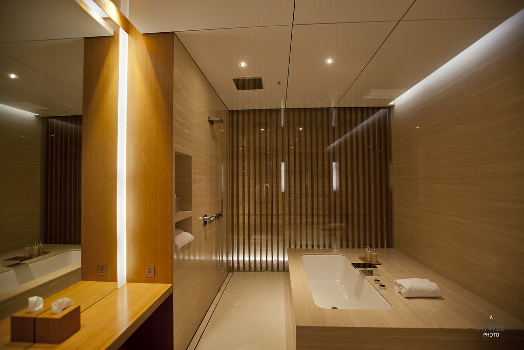 Bathtub in the private cabanas