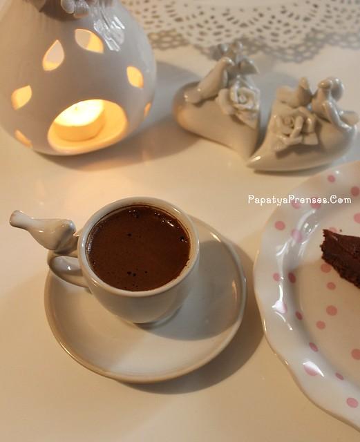 Aylin kuşlu kahvaltı sofrası 020